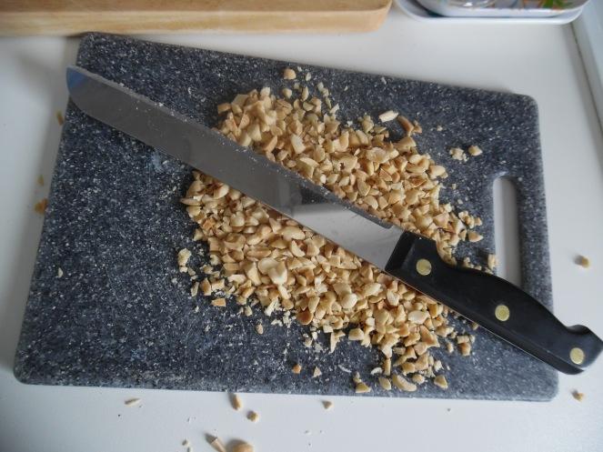 ongezouten noten, fijngemaakt