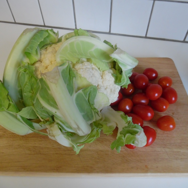 koolsoorten en tomaten mèt pel