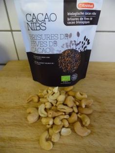 cacao nibs en ongezouten noten