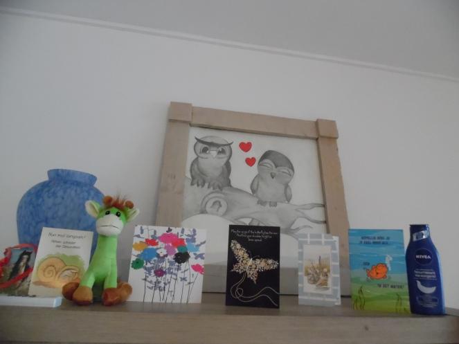 bij thuiskomst: kaartjes en cadeautjes in de brievenbus
